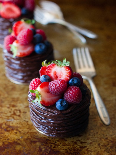 Little-Double-Chocolate-Berry-Cakes-