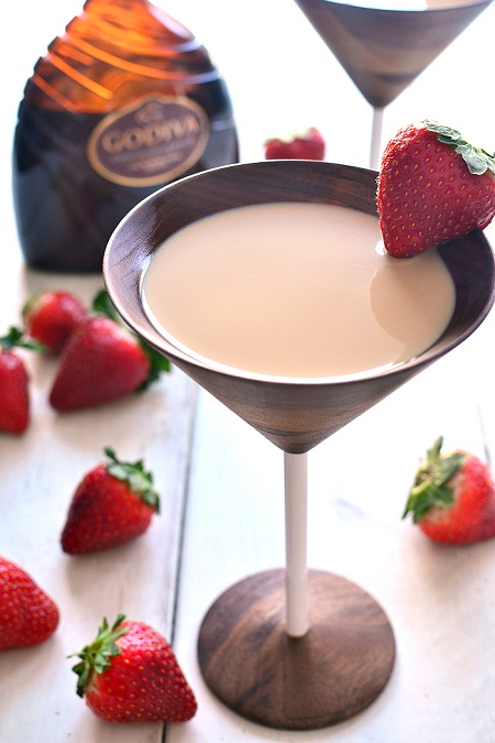 chocolate-covered-strawberry-martini-4c
