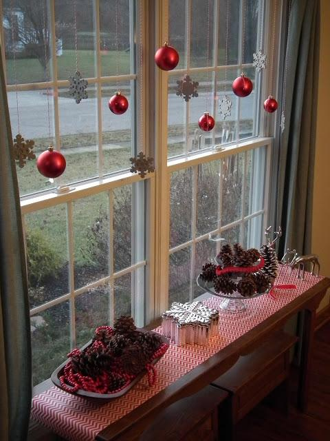 Christmas Decorations On Window : Simple christmas decoration ideas for my friends