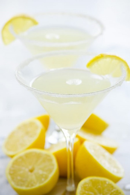 sparkling-lemon-drop-martini-4-684x1024
