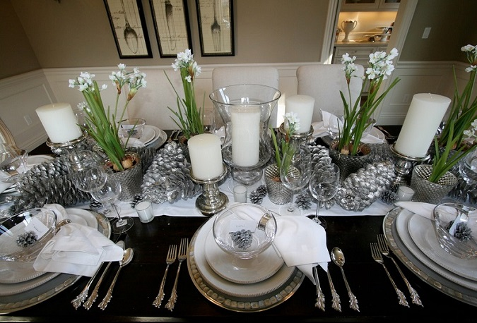 adorable-silver-christmas-center-piece