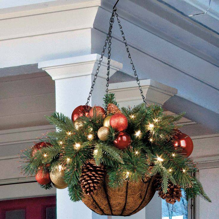 christmas hanging baskets for outdoors