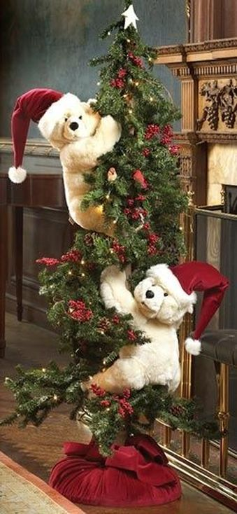 polar-bear-christmas-tree