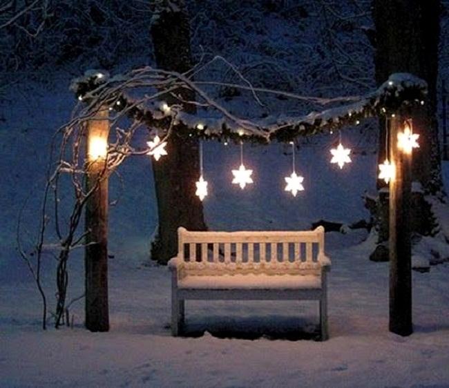 christmas-lanterns-on-swings