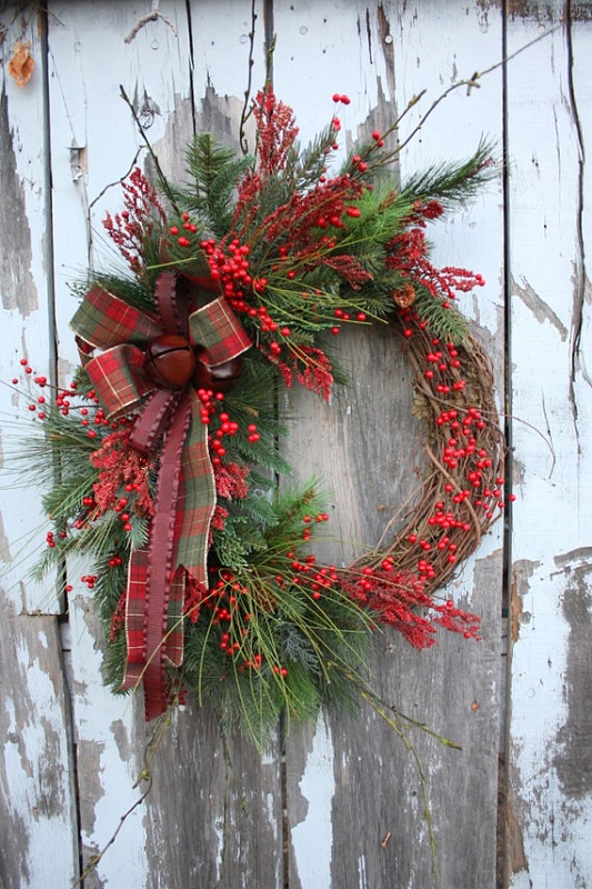 christmas-wreath-red-berries