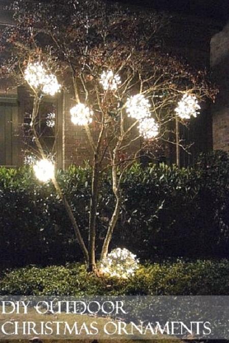 christmas-balls-on-a-tree