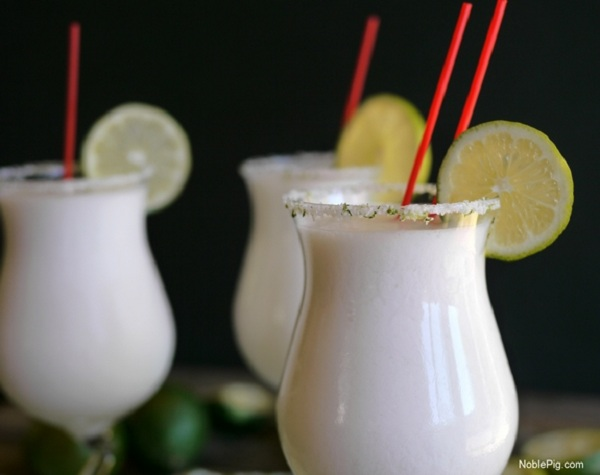 coconut-lime-frozen-margaritas