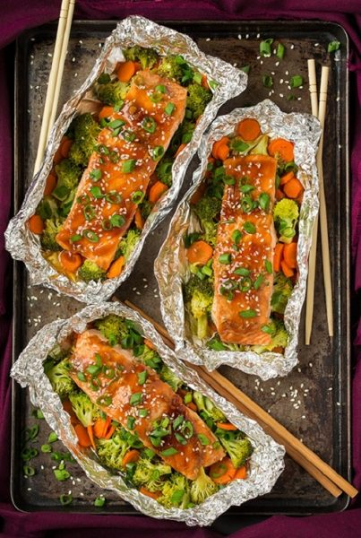 honey-teriyaki-salmon-and-veggies-in-foil-srgb