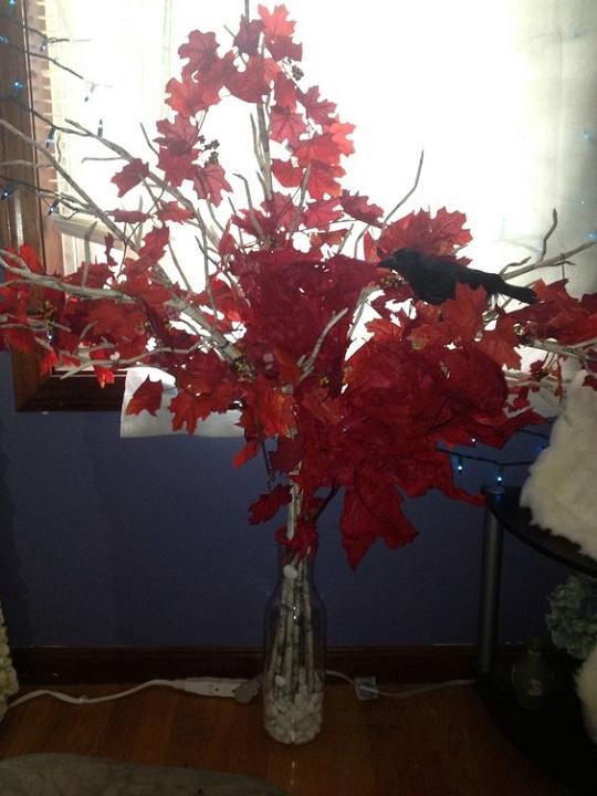 party-decor-weirwood-tree