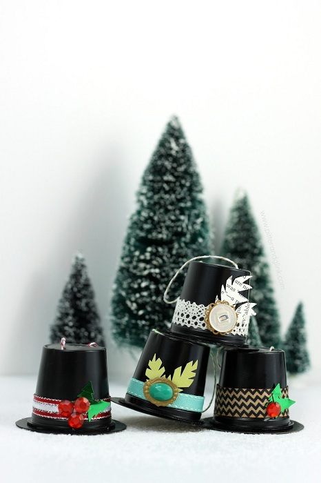 recycled-k-cup-snowman-hat-ornaments