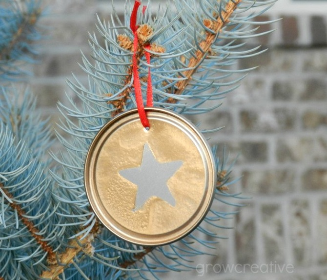 silver-and-gold-juice-lid-ornaments