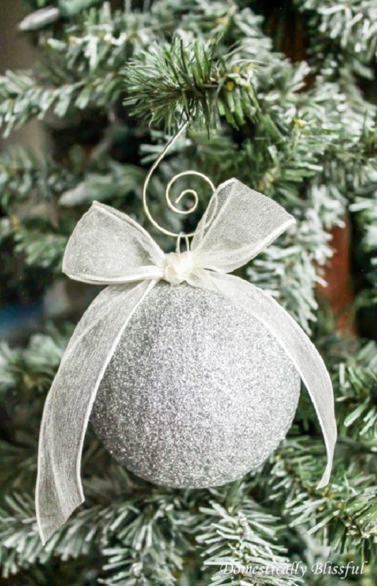 sparkling-glitter-ornaments