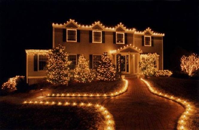 white-christmas-lights