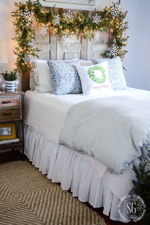 Cozy Christmas Bedroom Decorating Ideas – Festival Around ...