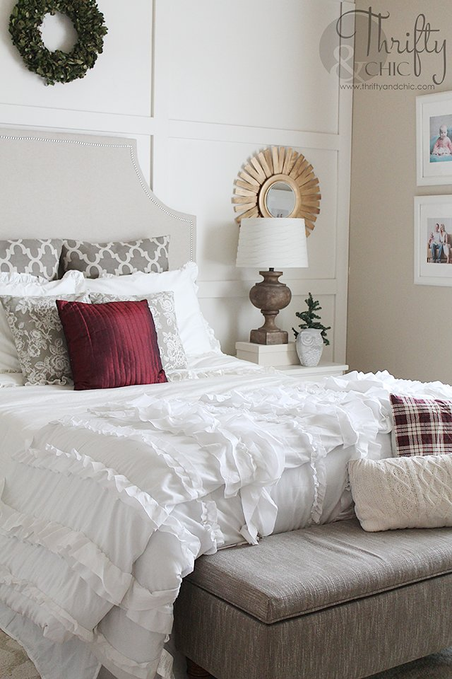 christmas bedroom decor ideas in white