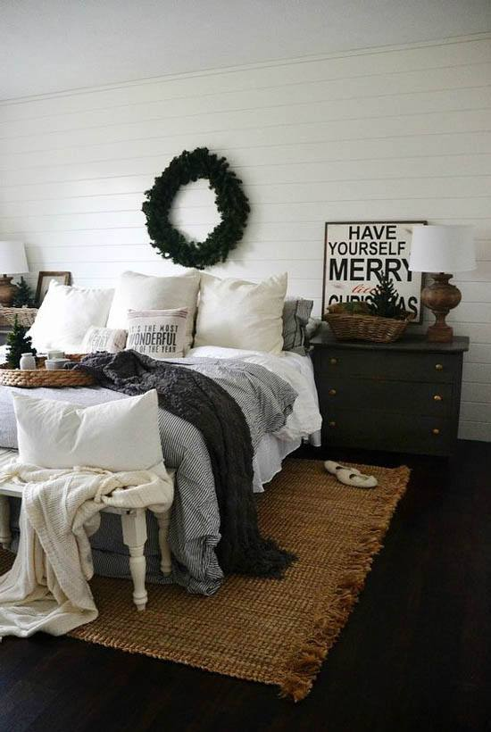 Cozy Casual Decorating Style: Cozy Christmas Bedroom Decorating Ideas