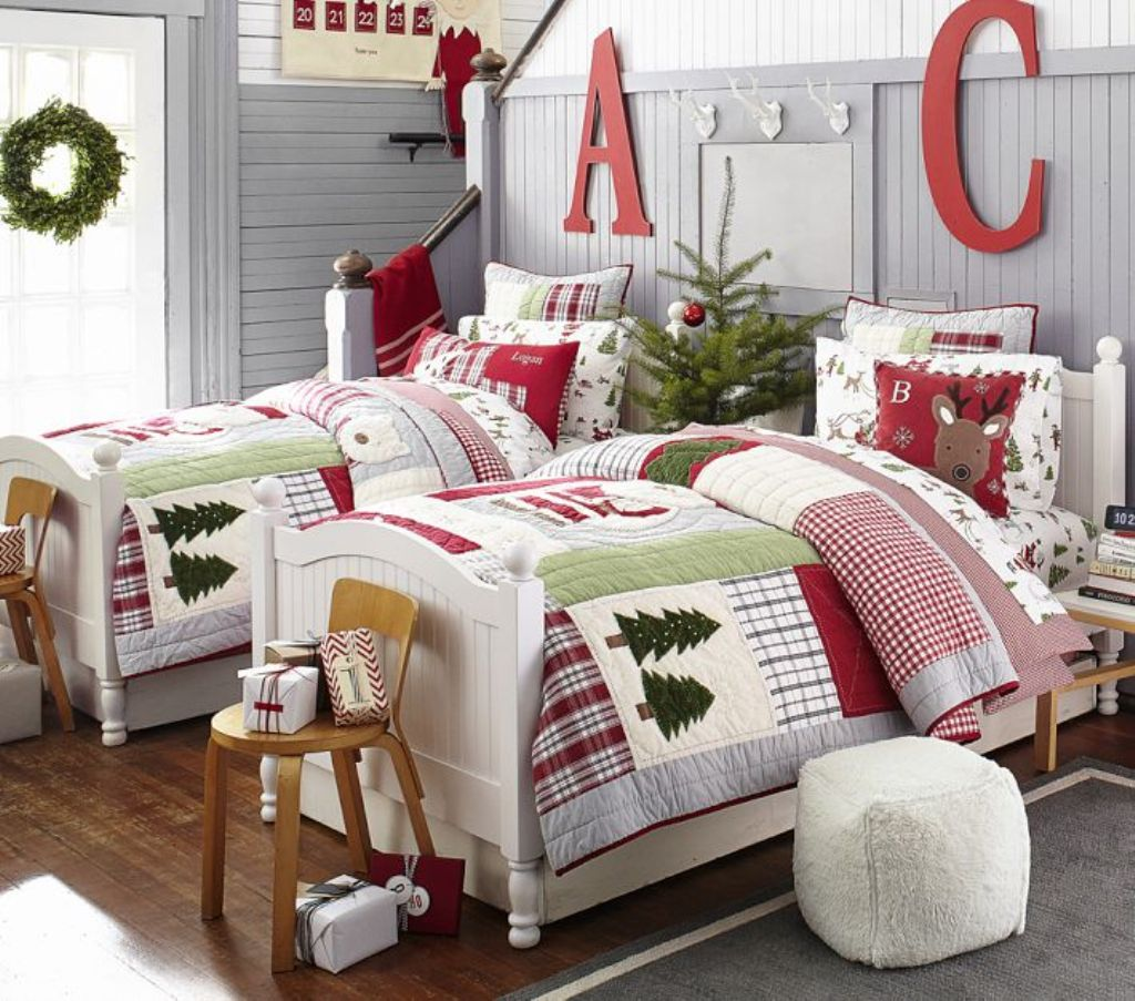 Cozy christmas bedroom decorating ideas festival around for How to decorate a red bedroom