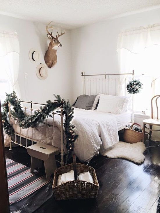 christmas-bedroom-decorating-ideas-25