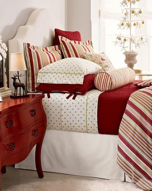 surprising christmas bedroom decorations ideas | Cozy Christmas Bedroom Decorating Ideas – Festival Around ...