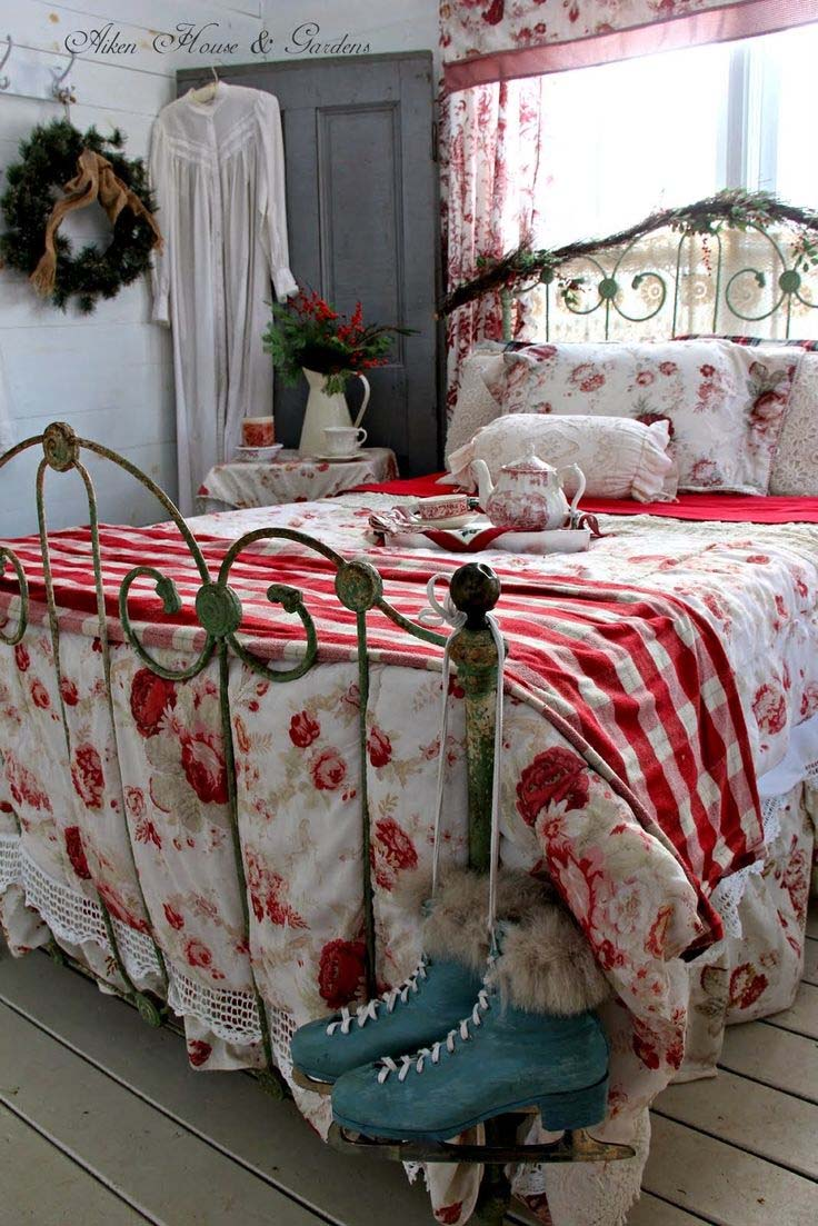 Cozy christmas bedroom decorating ideas festival around the world - Vintage bedroom decor ideas ...