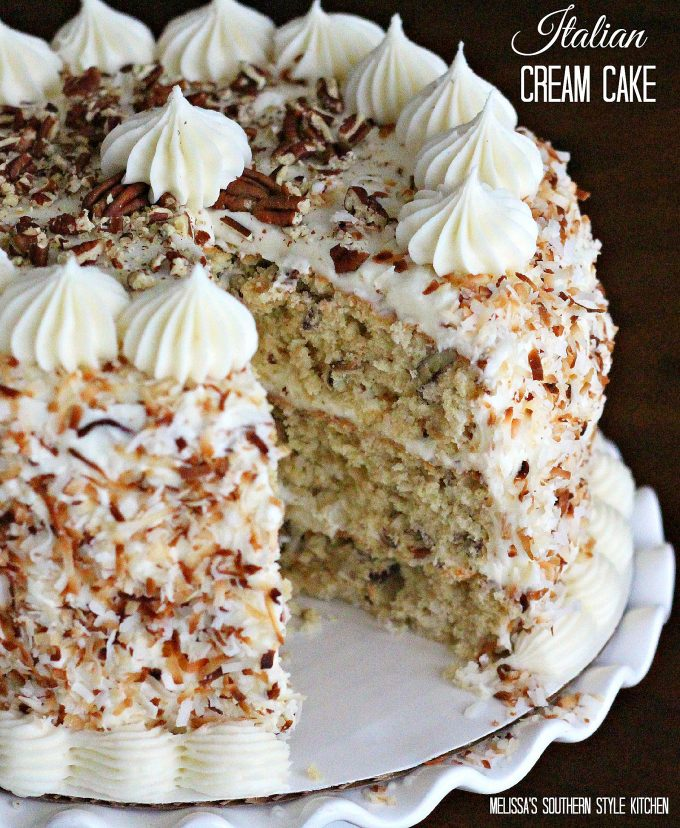 Holiday Cake Recipes Pictures : Mouthwatering Christmas Cake Recipes From Pinterest ...