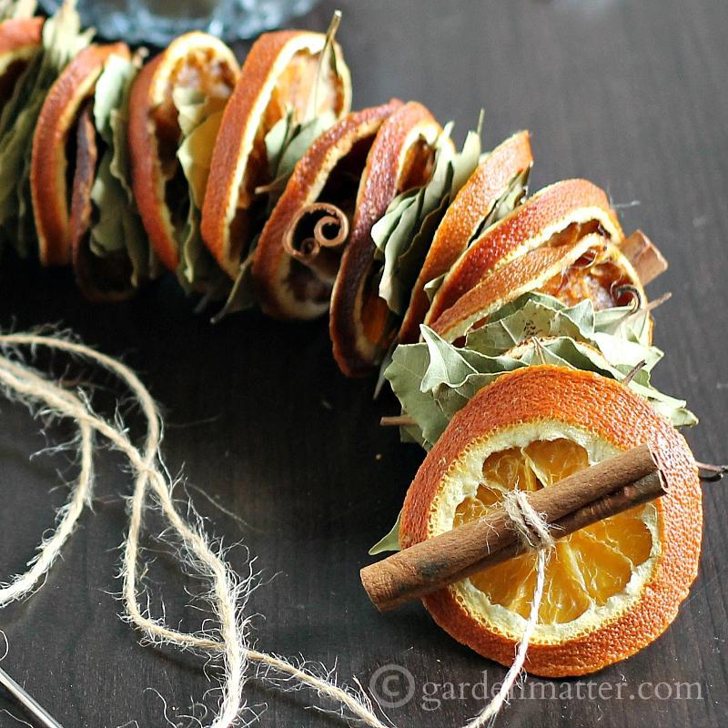 christmas-garland-decoration-ideas-24