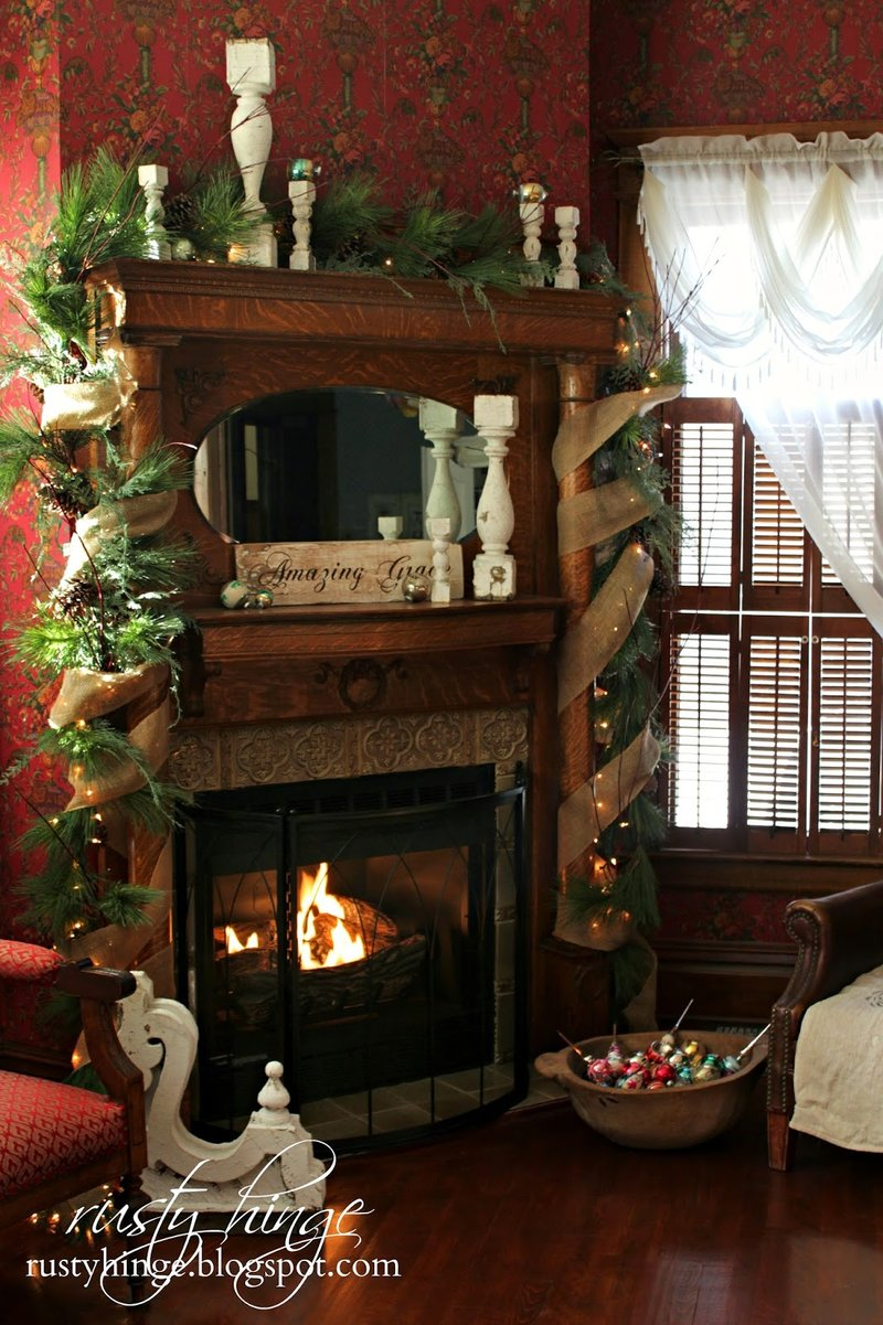 Indoor christmas decorating ideas that you must not miss for Indoor light decoration ideas