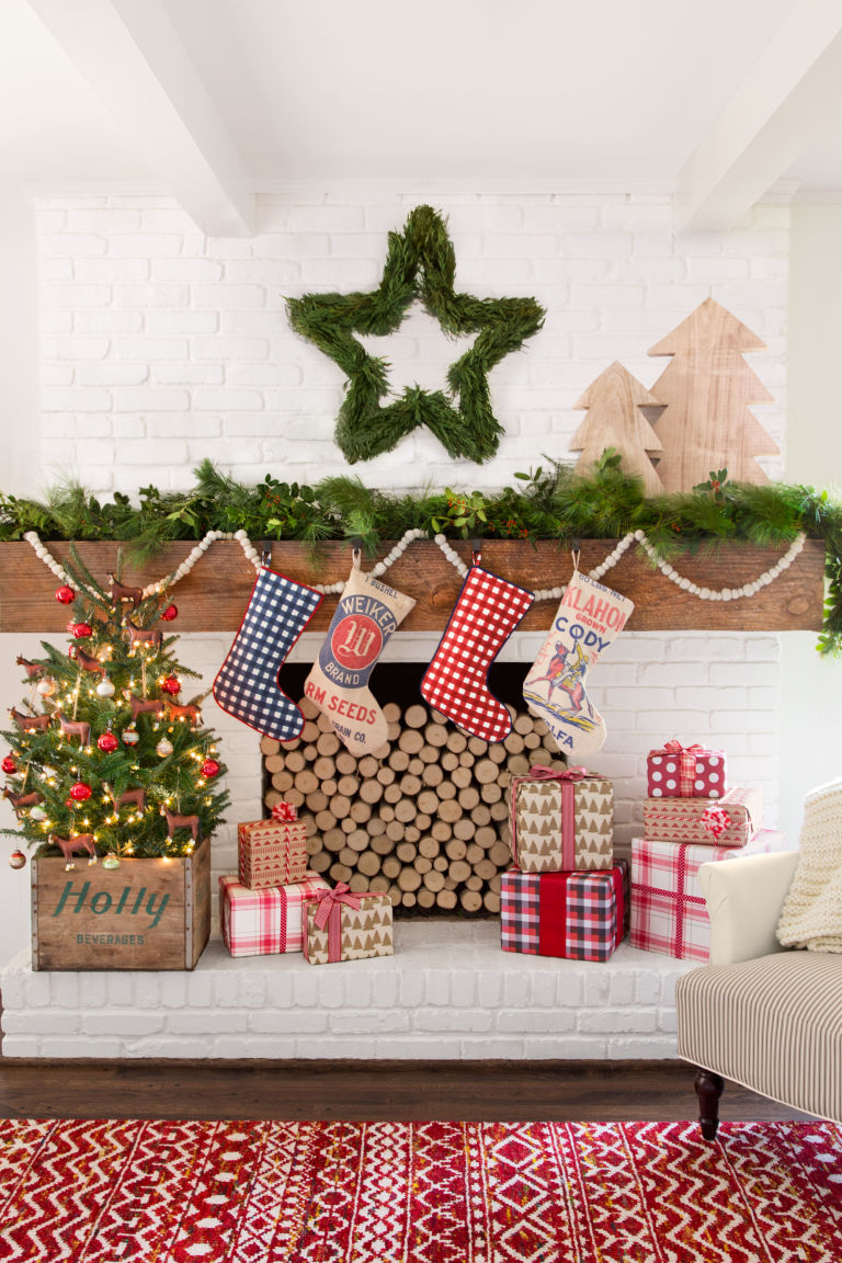 christmas-living-room-decoration-ideas-12