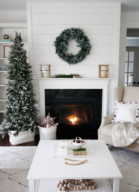 christmas-living-room-decoration-ideas-14