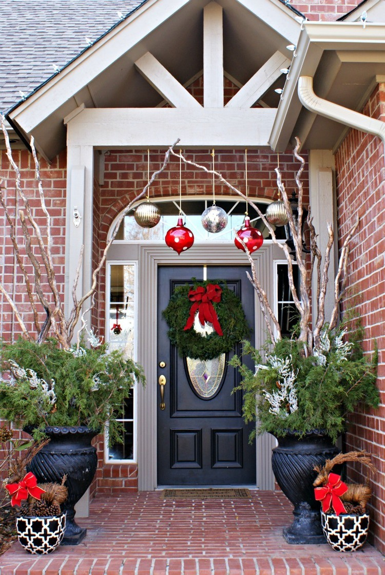 christmas-porch-decorating-ideas-7