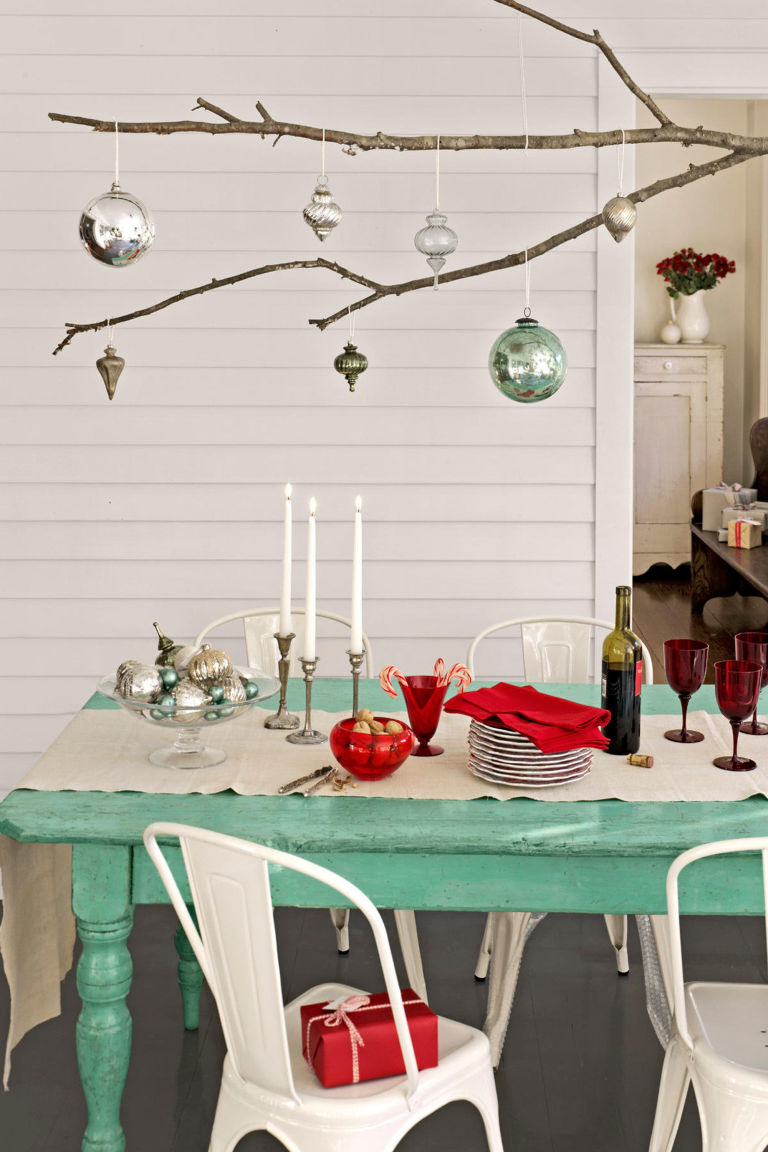 Beautiful christmas table decoration ideas festival - Modern christmas table settings ideas ...