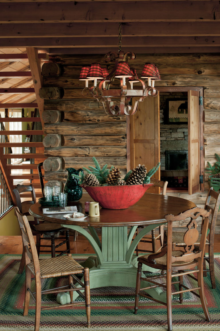 Beautiful country christmas decorating ideas festival for Small log cabin interior design ideas