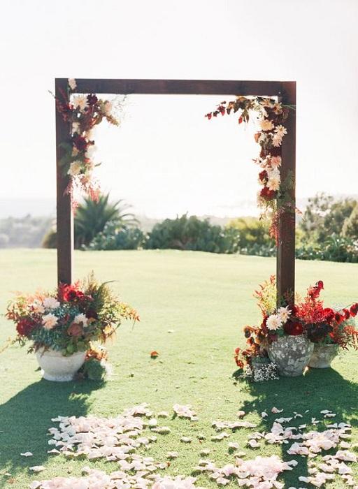 20 stunning wedding altar ideas festival around the world for Arbor wedding decoration ideas