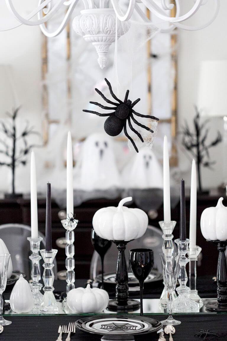 Creepy And Classy Halloween Table Decoration Ideas ...