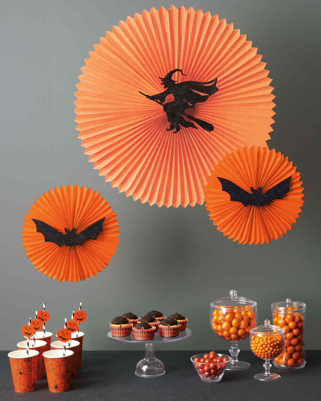Spooky indoor halloween decoration ideas festival around for Ideas for pictures